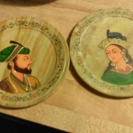 SET OF 3 ALABASTER ITEMS; 2 COASTERS & NIC NAK BOX WORTH $140 DARK STONED HAND PAINTED ships free!