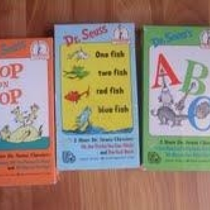 LOT OF 3 DR SEUSS VHS TAPES, EXCELLENT FAMILY FUN FOR KIDS! FREE SHIPPING!
