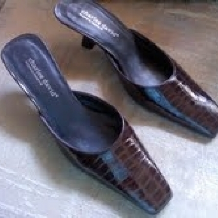 LIKE NEW CHARLES DAVID DESIGNED BY NATHALIE M MULES, SIZE 9 B, SLIP ON BEAUTIES, FREE SHIPPING