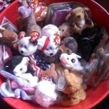 LARGE LOT OF TAGGED TY BEANIE BABIES, FLAWLESS, 21 BEANIES, SOME IN BOXES, FREE SHIPPING