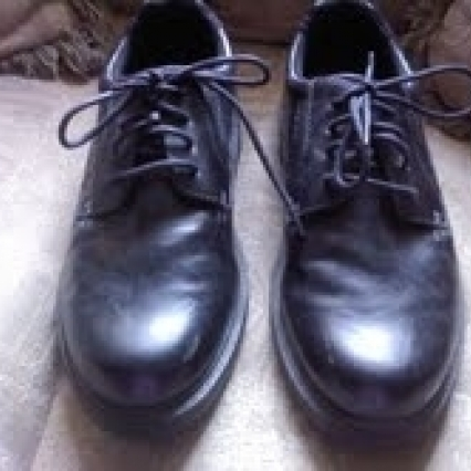 LIKE NEW GEORGE SIZE 7E MALE SHOES, BLACK, SOFT COMFY, FREE SHIPPING