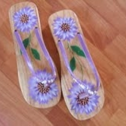 Womens vietnamese decorative sandals, size 6.5